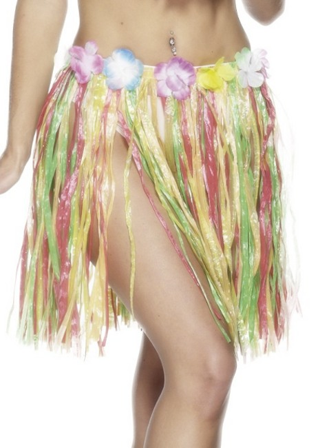 Vista frontal de falda hawaiana multicolor en stock