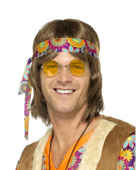 51d07e5d9f Vista delantera del gafas hippie amarillas en stock. Foto detallada de gafas  hippie amarillas
