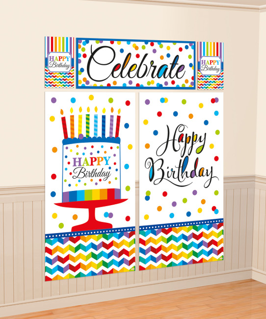 Vista frontal de mural decorativo Happy Birthday arcoiris en stock